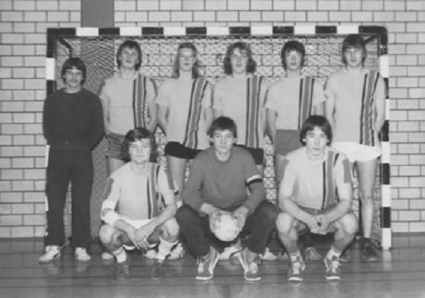Hinten: Trainer I. Lamm, J. Vosmer, A. Bouwmann, L. Heldt, M. Ester, M. Peters. Vorne: H. Fiekes, H. Franke, T. Wetzel. Es fehlt: St. Heidel.