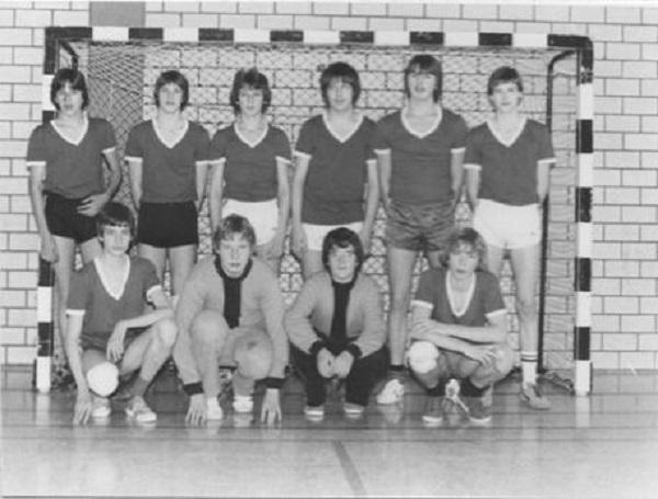Hinten: J. Elberg, B. Sievers, D. Lüddeke, P. Held, J. Vosmer, N. Fiebach. Vorne: H. Borchert, T. Steier, V. Schledorn, T. Ester. Betreut wurde das Team von G. Gogrefe.