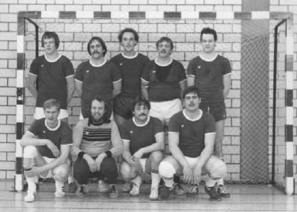 Hinten: H.-W. Welle, R. Schmitz, Ch. Vosmer, R. Dornieden, D. Welle. Vorne: R. Meier, U. Schicht, J. Kruse, M. Gogrefe. Es fehlen auf dem Bild: K. Dornieden und K. Egeling.
