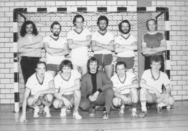 Hinten: R. Thielmann, CH.- Krog, G. Sandfort, R. Mönnikes, K. Rehrmann, Trainer H. Block. Vorne: H. Schrader, I. Lamm, Th. Schwarzendahl, W. Bärtl, B. Feldmann.