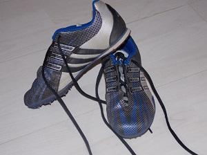 Adidas Spikes (Größe 35)