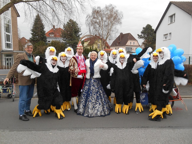 Die Adler und das Königspaar beim Brakeler Karnevalsumzug